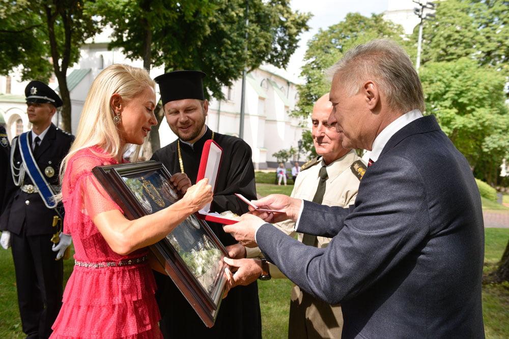 Основательницы «Руки-Ножницы» получили «Орден чести»!